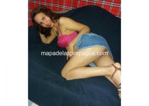 Bella ardiente flaca venezolana en la cama